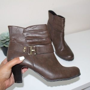 A2 by Aerosoles Brown boots 9.5